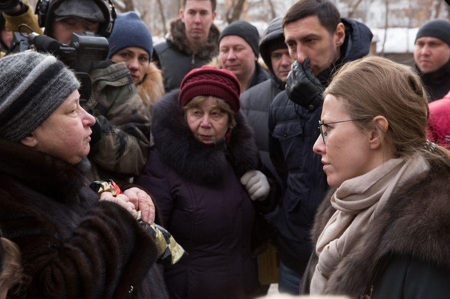 Rencontre avec des habitants des banlieues de Samara. Au milieu des immeubles inachevés, des gens escroqués.