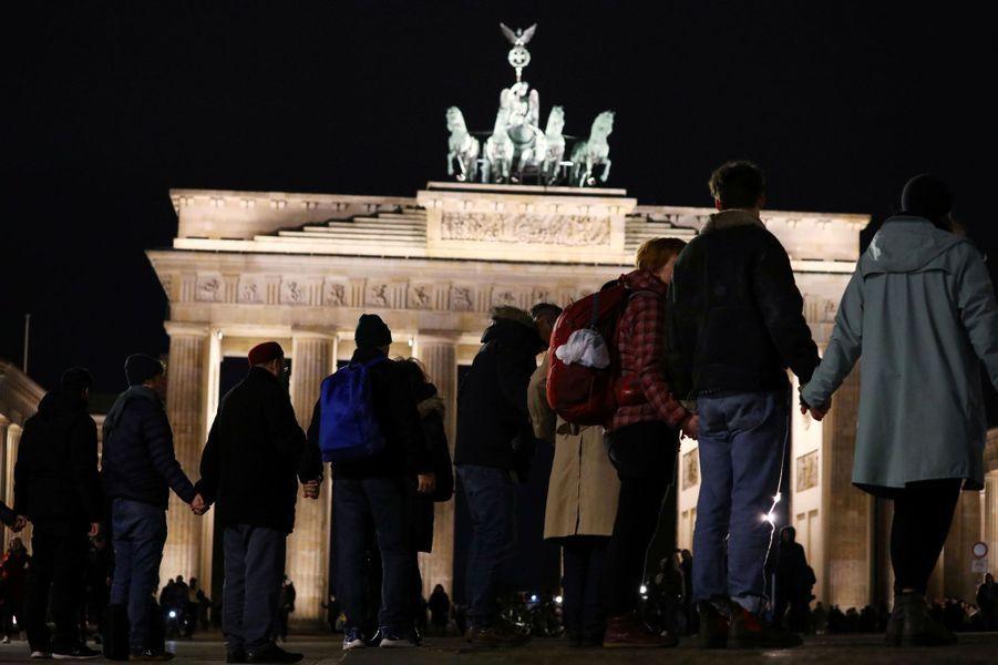 L'heure était au recueillement jeudi soir en Allemagne.