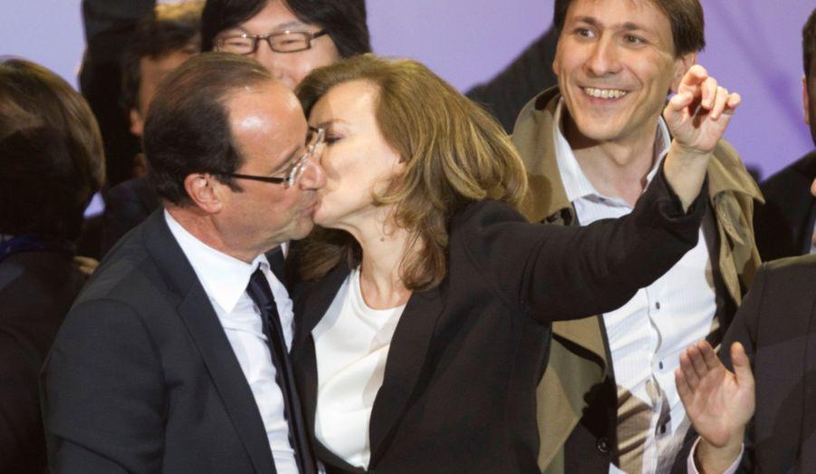 Avec 51,64%, François Hollande devient président de la République française au terme d'une campagne longue et indécise. Il sera investi le 15 mai.