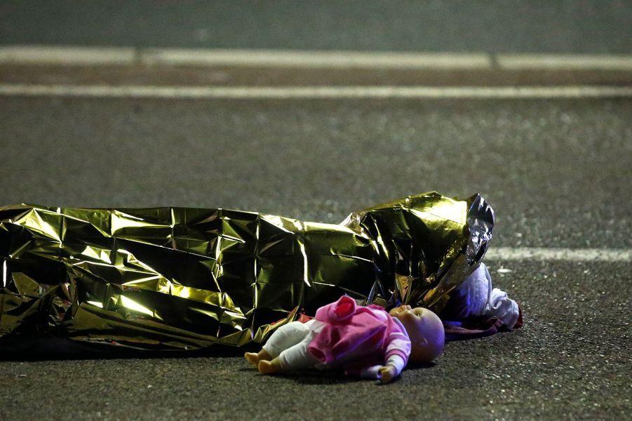 Photo prise après l'attentat commis à Nice le 14 juillet 2016.
