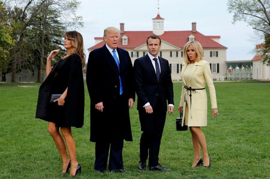Brigitte, Emmanuel Macron, Donald et Melania Trump à Mount Vernon, en Virginie, le 23 avril 2018.
