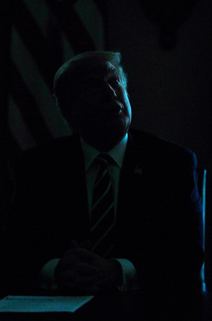 Donald Trump évoquant Vladimir Poutine avec des élus du Congrès à la maison-Blanche, le 17 juillet 2018.
