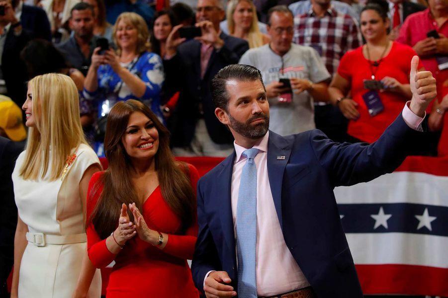 Ivanka Trump, Kimberly Guilfoyle et Donald Trump Jr lors du meeting de lancement de la campagne de Donald Trump, le 18 juin 2019.