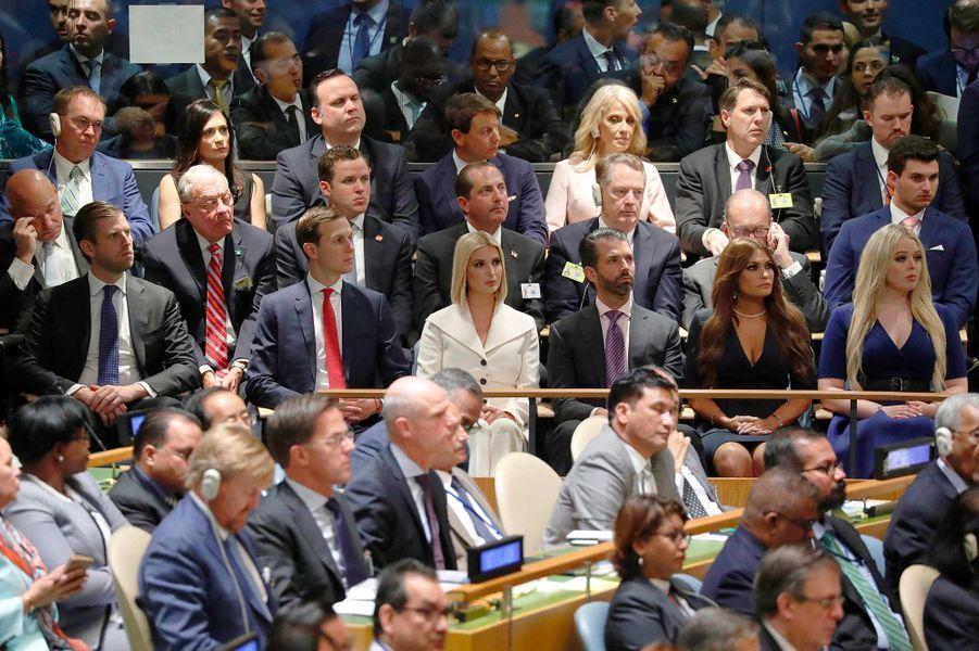 Eric Trump, Jared Kushner, Ivanka Trump, Donald Trump Jr, Kimberly Guilfoyle et Tiffany Trump écoutent le discours de Donald Trump lors de l'Assemblée générale des Nations unies, le 24 septembre 2019.