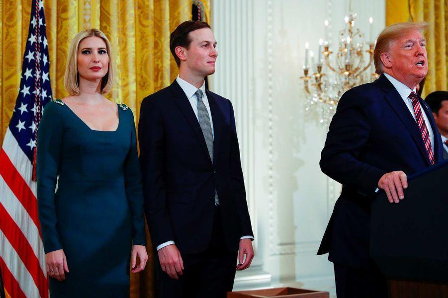 Ivanka Trump, Jared Kushner et Donald Trump lors d'une réception pour Hanoukah à la Maison-Blanche, le 11 décembre 2019.