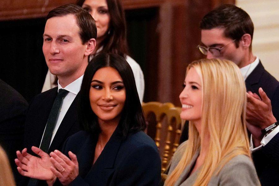 Jared Kushner, Kim Kardashian et Ivanka Trump à la Maison-Blanche, le 13 juin 2019.