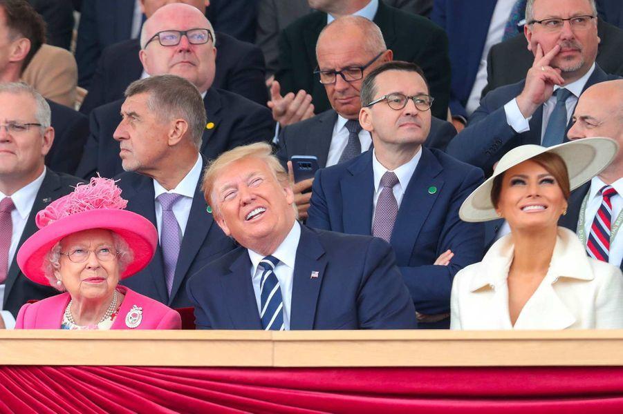 La reine Elizabeth II, Donald et Melania Trump lors des commémorations du 75ème anniversaire du Débarquement à Portsmouth, le 5 juin 2019.
