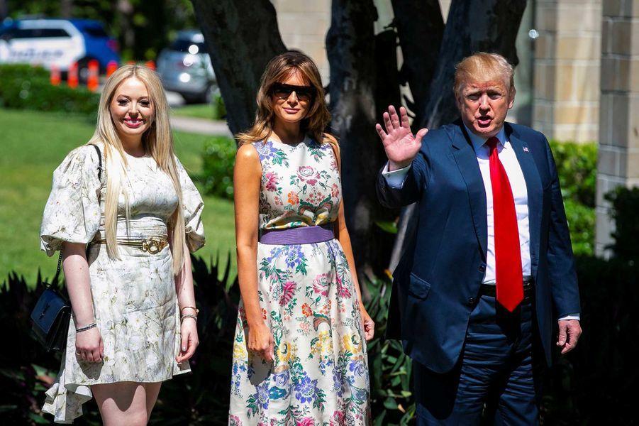 Tiffany, Melania et Donald Trump arrivent à la messe de Pâques à l'église de Bethesda-by-the-Sea à Palm Beach, le 21 avril 2019.