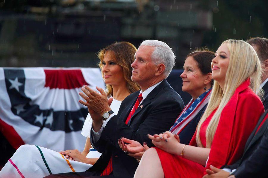 Melania Trump, Mike et Karen Pence et Tiffany Trump lors des célébrations pour la fête nationale à Washington, le 4 juillet 2019.