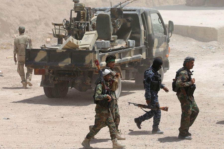 Les forces irakiennes resserraient mardi 24 mai 2016 le siège autour des combattants du groupe Etat islamique (EI) à Fallouja.