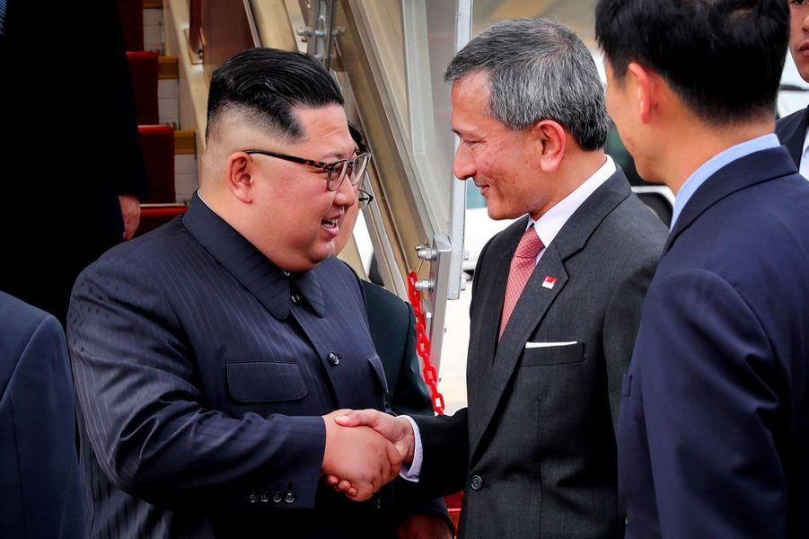 Kim Jong-Un et la délégation nord-coréenne sont arrivés dimanche à Singapour.