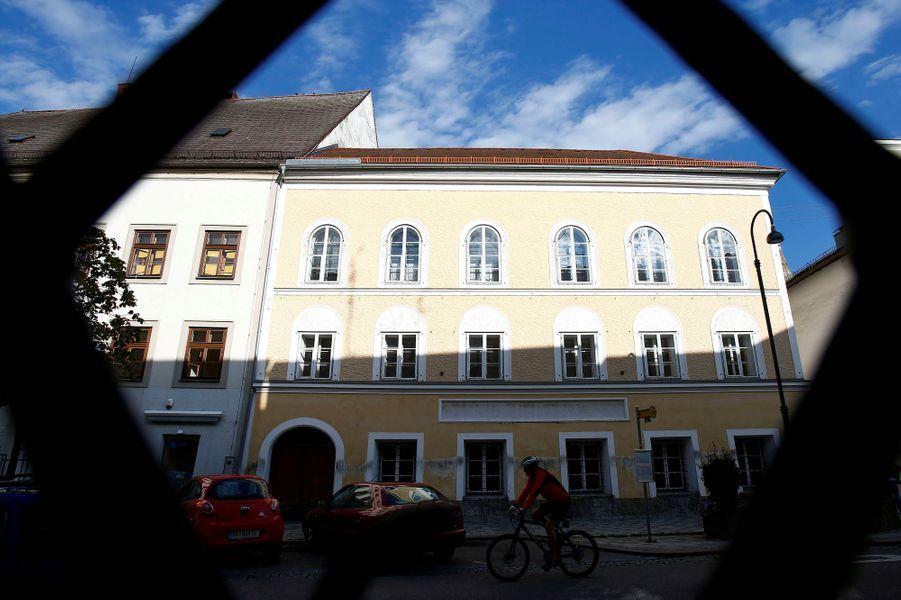 L'Autriche va raser la maison natale d'Adolf Hitler àBraunau am Inn.