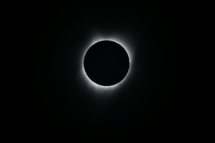 Une photographie de l'éclipse solaire totale prise à Depoe Bay, dans l'Oregon. Cet Etat du nord-ouest des Etats-Unis était aux premières loges.