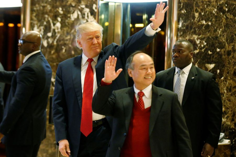 Donald Trump et Masayoshi Son, le PDG de SoftBank Group, à New York, le 6 décembre 2016.