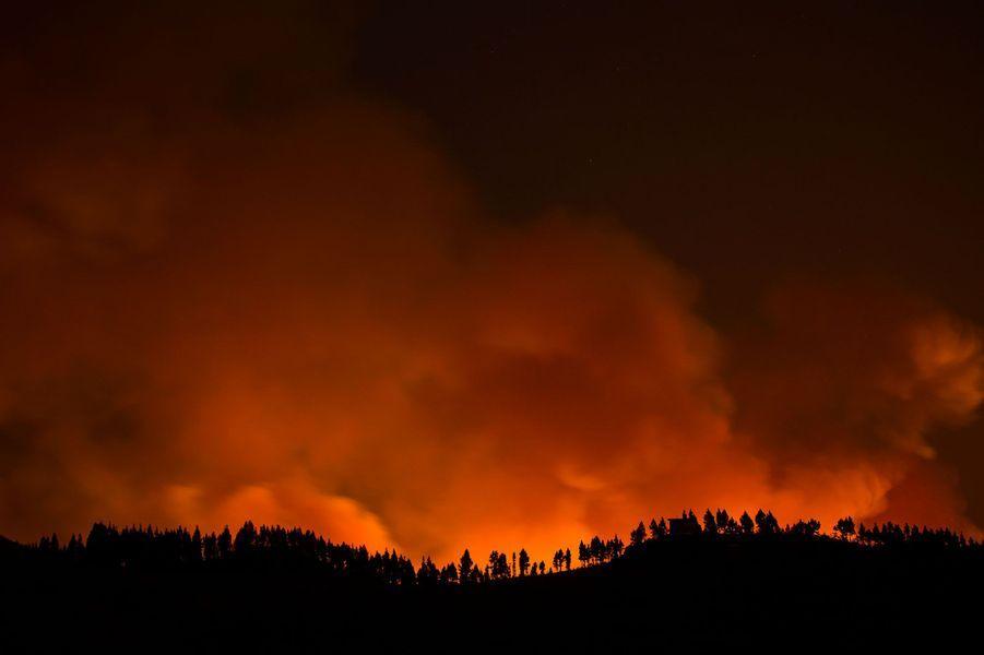 Grande Canarie: un incendie entraîne l'évacuation de 4000 personnes