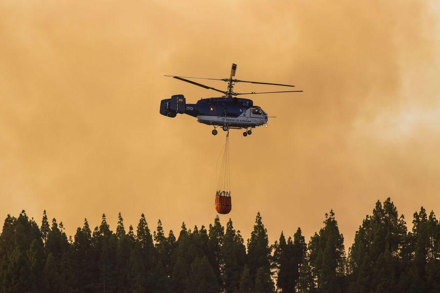 Un incendie s'est déclaré surl'île espagnole de GrandeCanarie, quelques jours après un précédent feu