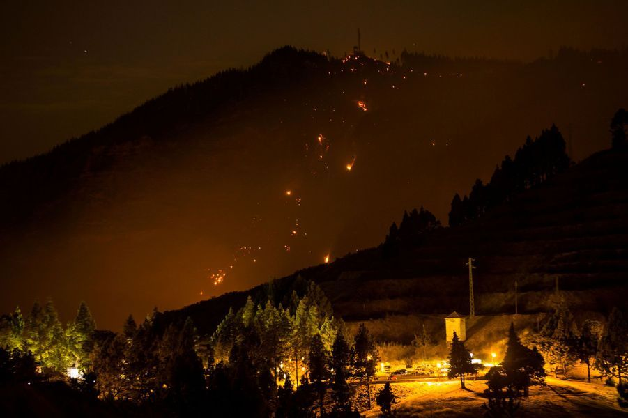 Incendie sur l'île de Grande Canarie: plus de 4.000 personnes évacuées