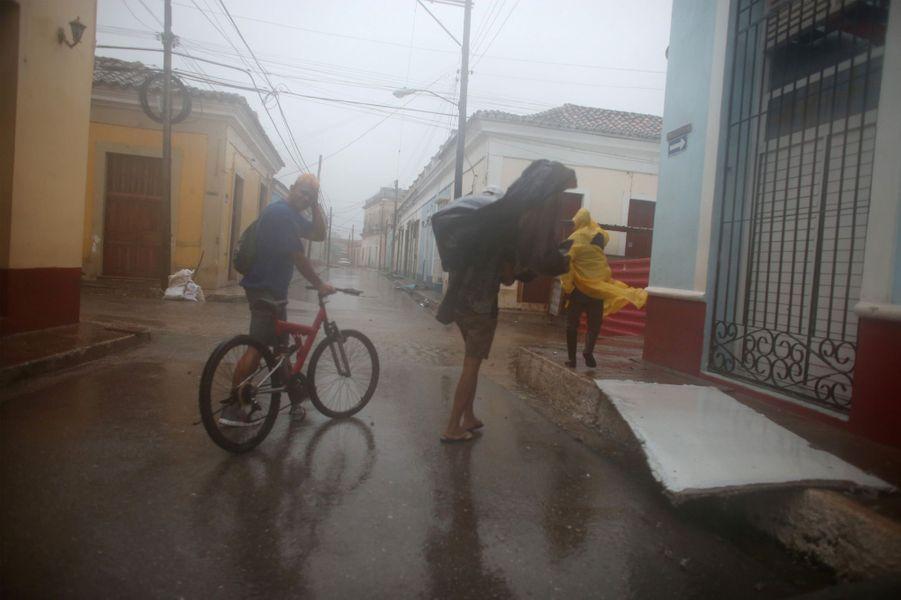 Dans les rues deRemedios, en proie aux rafales d'Irma.