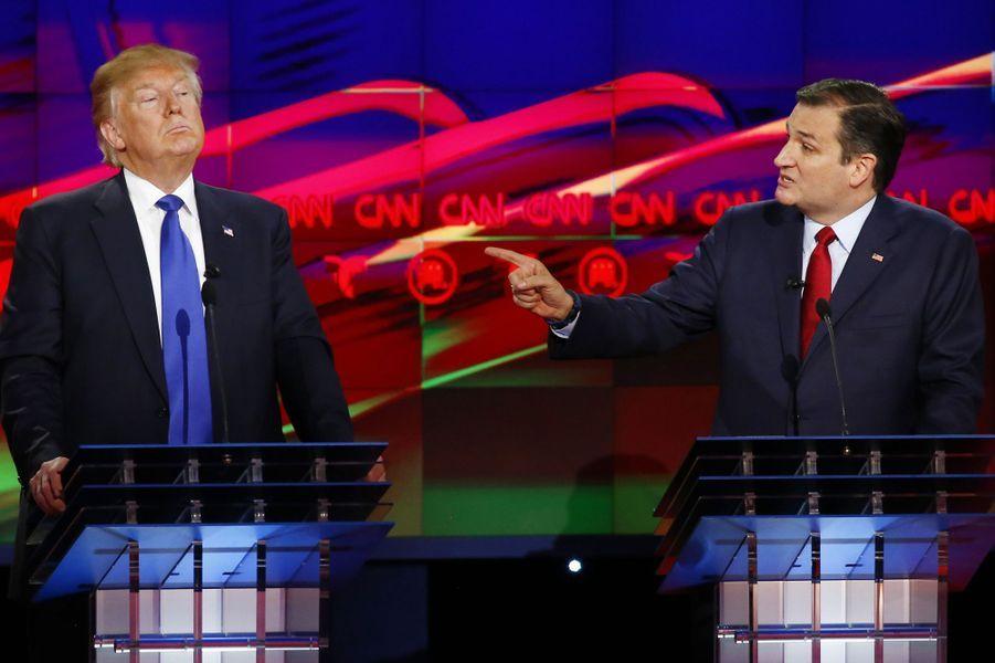 Donald Trump et Ted Cruz lors d'un débat pour l'investiture républicaine à Houston, le 26 février 2016.