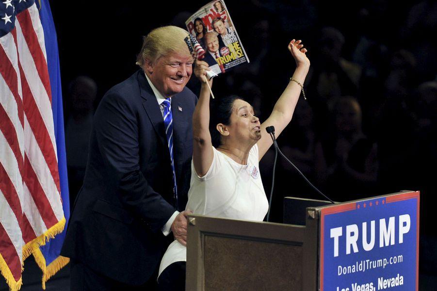 Une supportrice de Donald Trump lors d'un meeting à Las Vegas, le 8 octobre 2015.