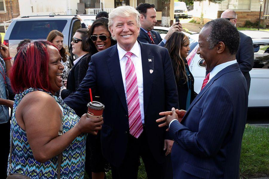 Donald Trump avec Ben Carson à Detroit, le 3 novembre 2016.