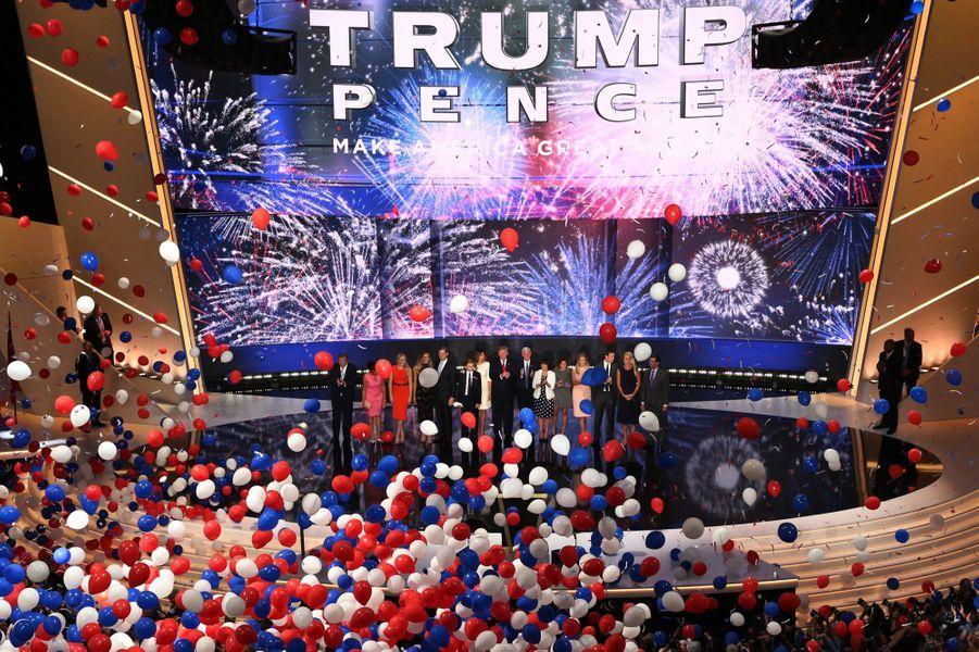 Donald Trump et Mike Pence officiellement candidats républicains, le 21 juillet 2016 lors de la convention républicaine à Cleveland.