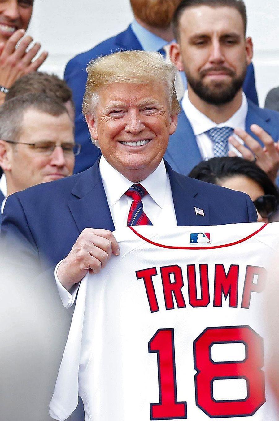 Donald Trump a reçu une partie de l'équipe des Red Sox à la Maison-Blanche, le 9 mai 2019.