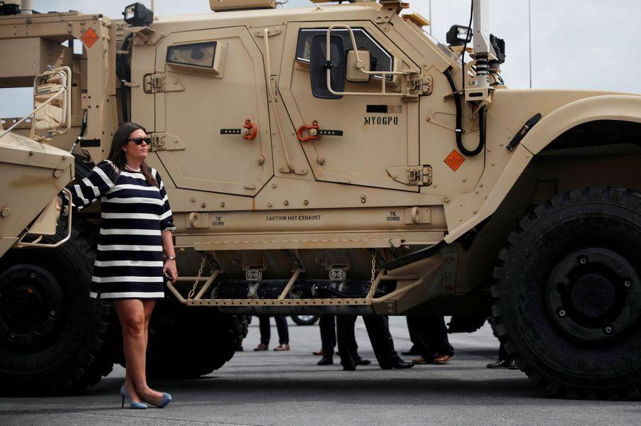 La porte-parole de la Maison Blanche, Sarah Huckabee Sanders, à Fort Drum, lundi.