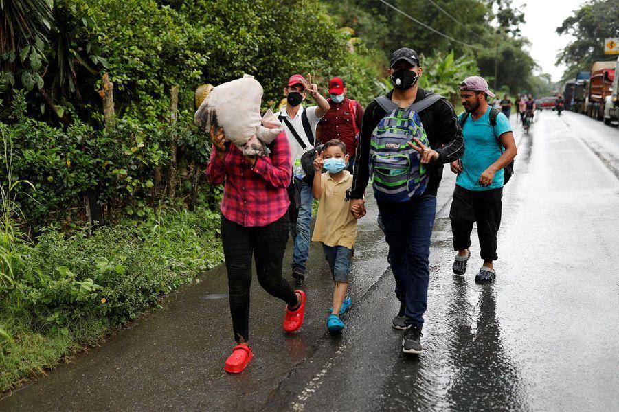 La traversée d'une caravane de migrants vers les Etats-Unis.