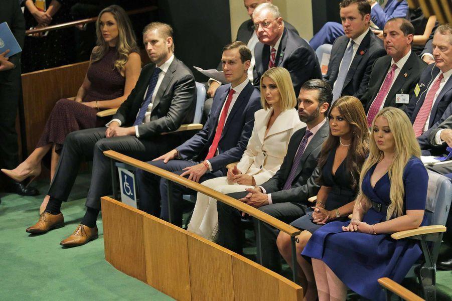 Lara et Eric Trump, Jared Kushner et Ivanka Trump, Donald Trump Jr et Kimberly Guilfoyle, avec Tiffany Trumplors de l'Assemblée générale des Nations unies à New York, le 24 septembre 2019.