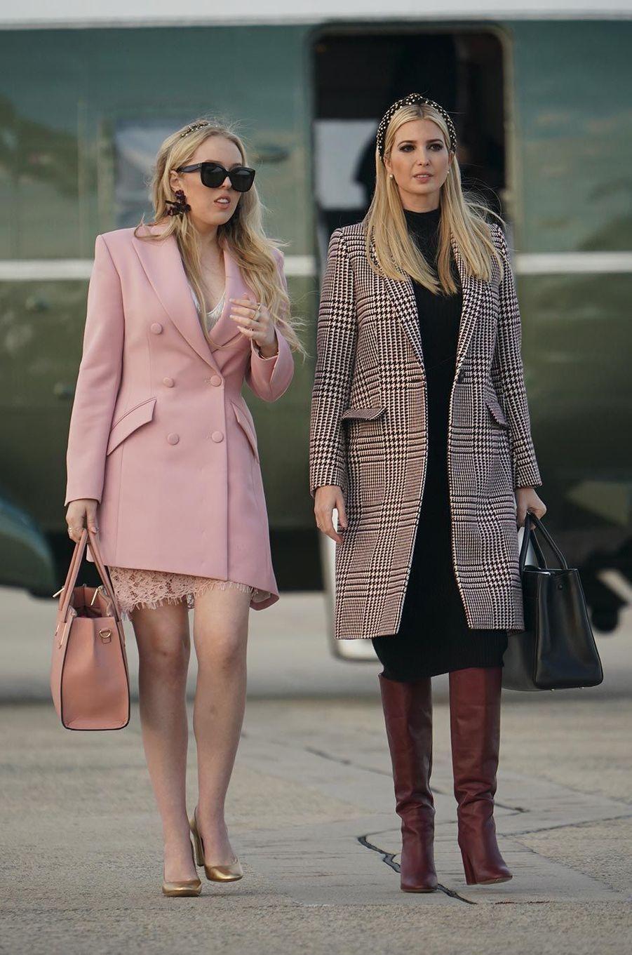 Ivanka et Tiffany Trump avant d'embarquer à bord d'Air Force One, le 20 novembre 2018.
