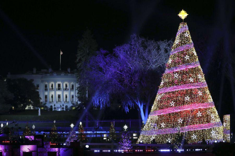 La Maison Blanche et les illuminations de Noël, le 30 novembre 2017.