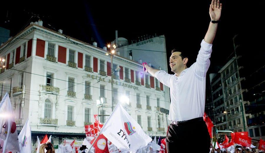 La Nouvelle Démocratie a remporté les élections législatives en Grèce. Mais la crise est toujours là, et l'Europe n'est pas prête à accorder plus de délai de remboursement. Et Alexis Tsipras, du parti de gauche Syriza, reste en embuscade malgré sa défaite face à Antonis Samaras (photos Baptiste Giroudon).