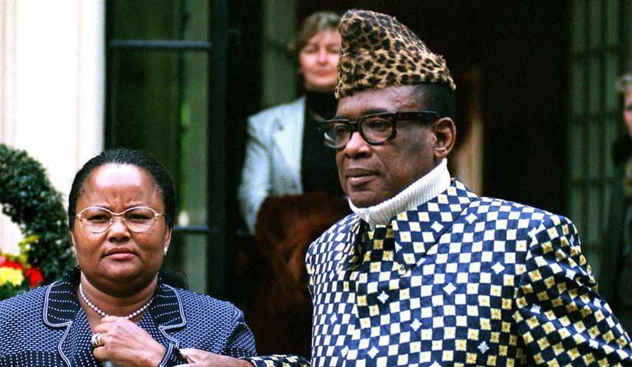 """""""Le Léopard de Kinshasa"""" décède en exil, quatre mois après la chute de son régime, à Rabat, au Maroc. Soigné en Suisse et en France, il souffrait d'un cancer de la prostate."""