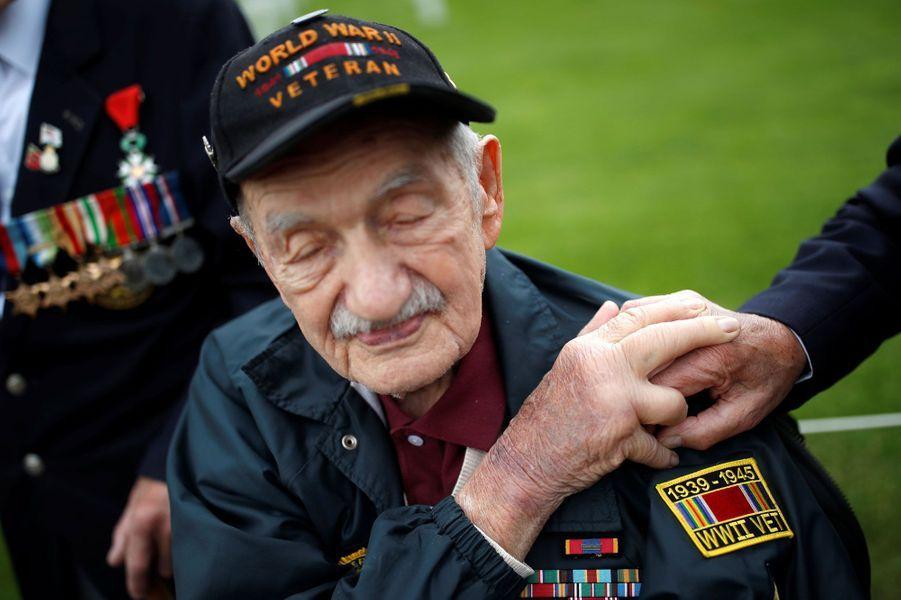 """Mervyn Kersh,vétéran du """"D-Day"""", à Colleville-sur-Mer, le 4 juin 2019."""