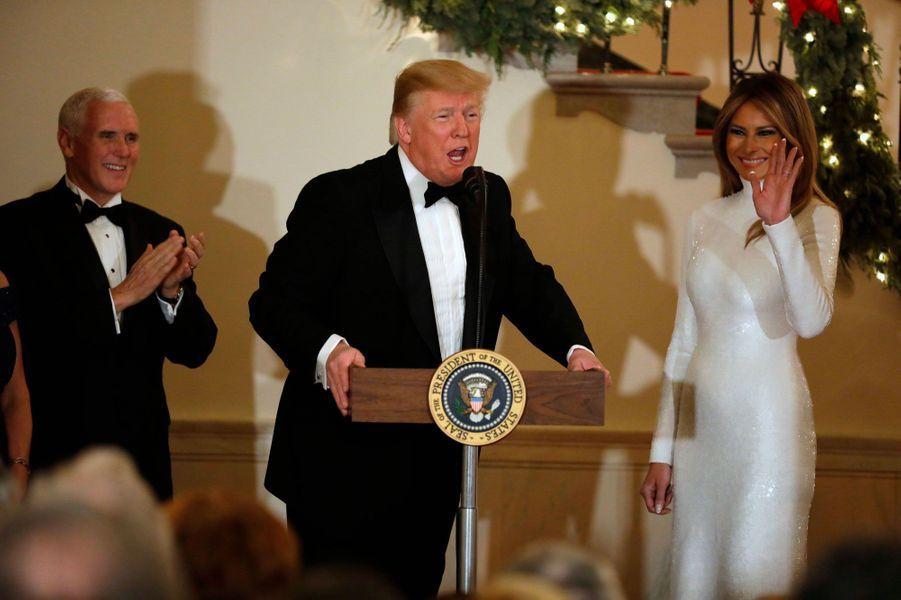 Mike Pence, Donald Trump et Melania Trump, samedi soir à la Maison-Blanche.