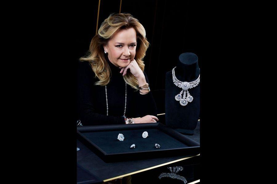 Elle a dessiné les bijoux. Caroline Scheufele, gemmologue et fille du propriétaire de Chopard, a repris les rênes de la maison avec son frère.