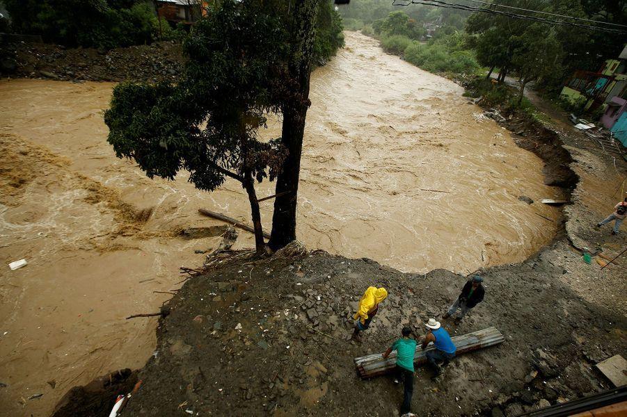 22 personnes sont mortes et près de 30 autres ont disparu en Amérique centrale lors de la tempête tropicale Nate