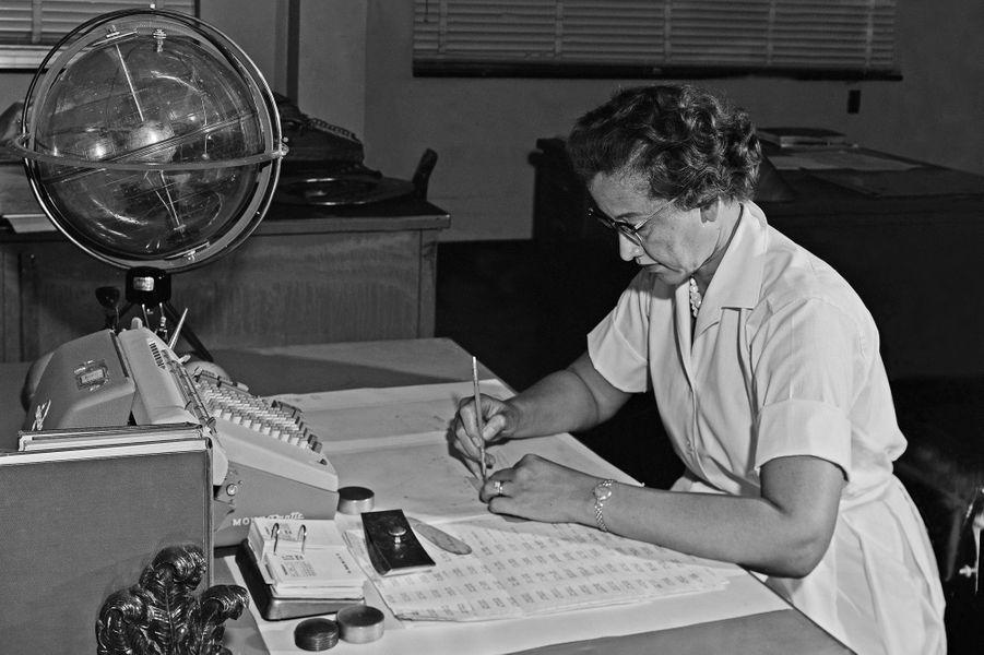 Katherine Johnsonau centre de recherche de la Nasa à Langley, en 1962.