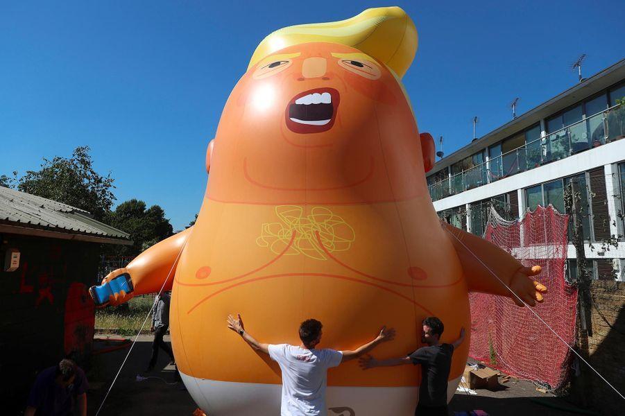 «Trump Baby», le dirigeable que des détracteurs du président américain espèrent faire voler au-dessus de Londres.