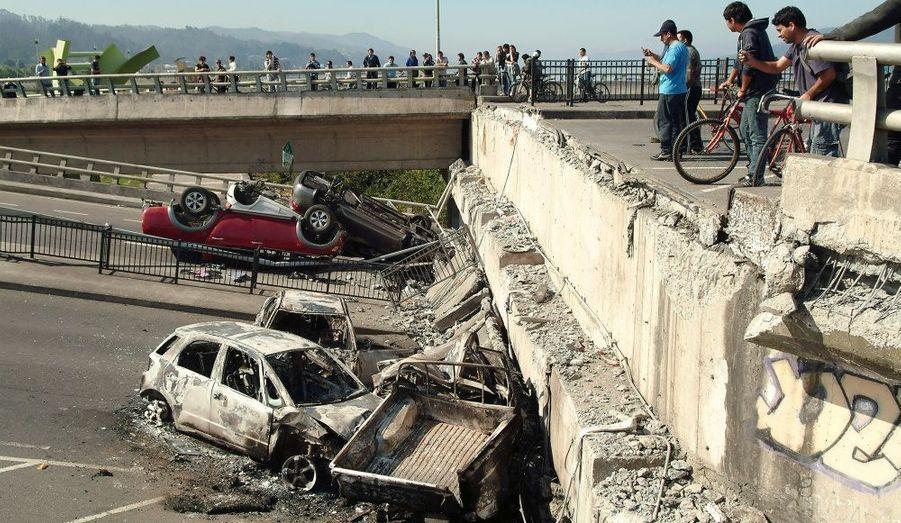 Selon l'institut géologique américain (USGS), l'épicentre du tremblement de terre s'est situé à 115 km au nord-est de Conception, à une profondeur de 35 km.
