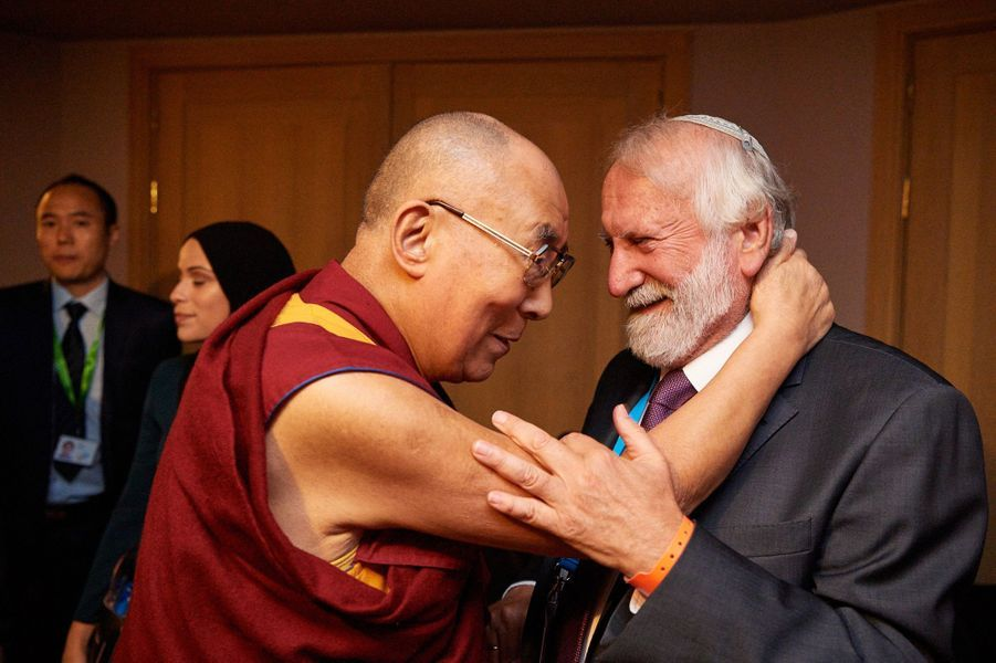 Le Dalaï-lama avec le Rabbin Awraham Soetendorp, pendant le conference Mind & Life Europe, à Bruxelles.
