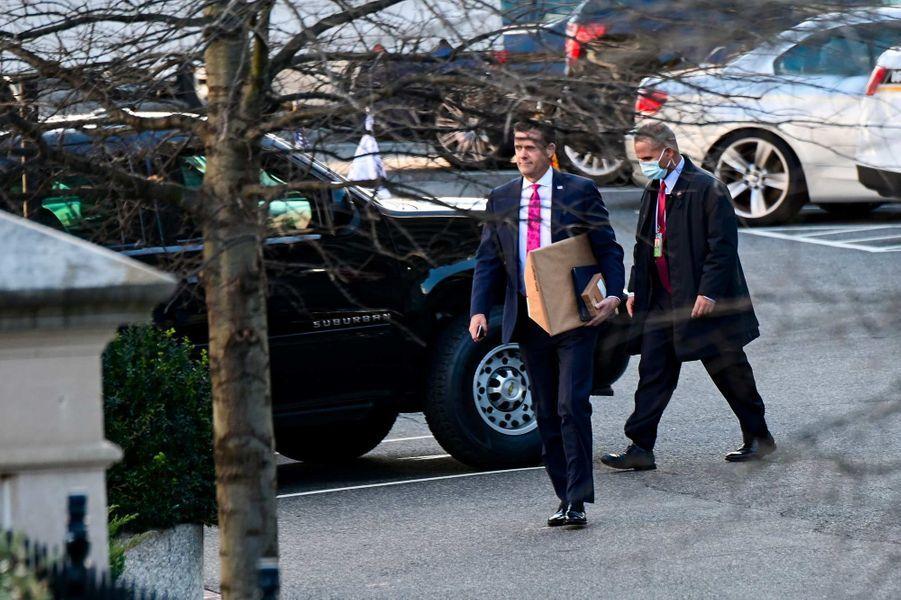 John Ratcliffe devant la Maison-Blanche, le 14 janvier 2021.
