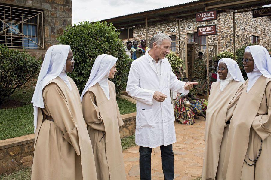 L'hôpital est géré par des carmélites apostoloiques.