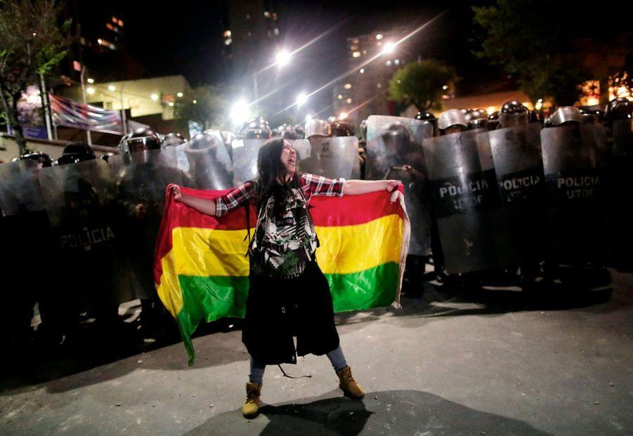 EN BOLIVIE, LE CRI DE RAGE Le 20 octobre. Mobilisation à La Paz, au lendemain de la réélection controversée du président Evo Morales pour un quatrième mandat.
