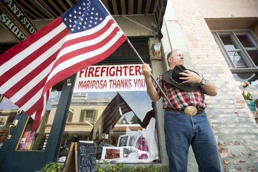 L'hommage des Américains au pompier tué.