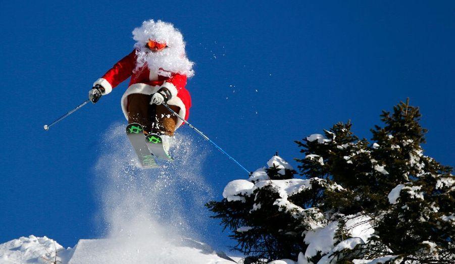 Image Pere Noel En Ski.Le Pere Noel Dans Tous Ses Etats