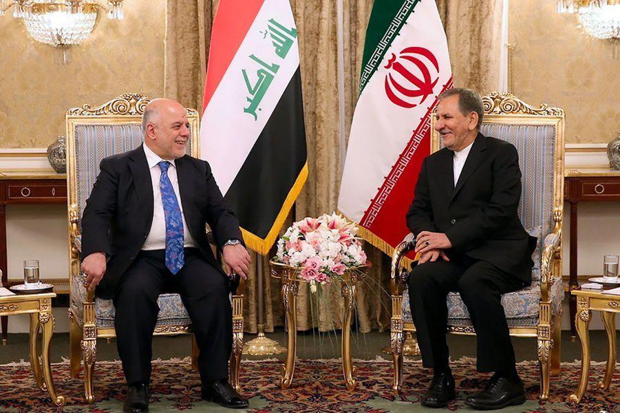 Le Premier ministre irakien Haider al-Abadi et le vice-président iranienEshagh Jahangirià Téhéran le 26 octobre 2017