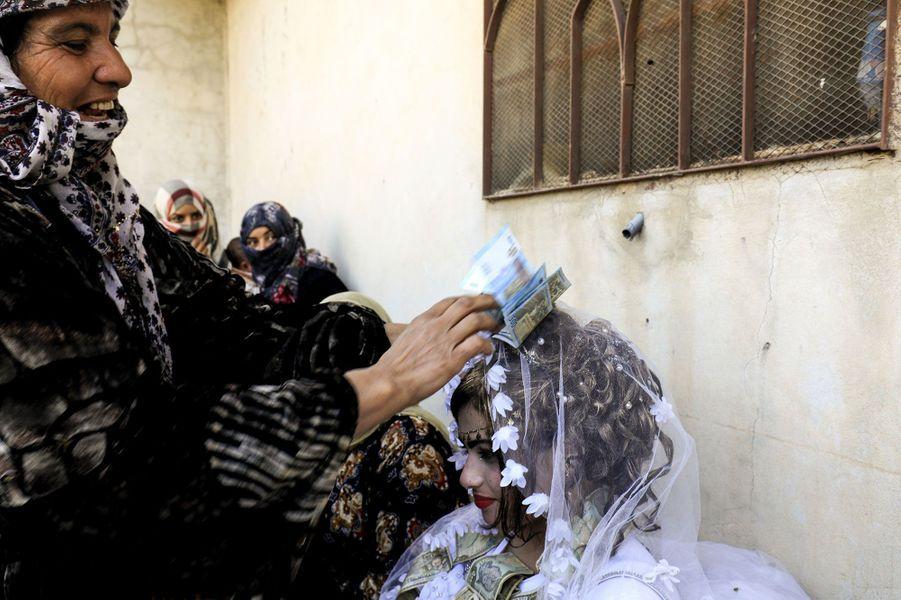 Ahmad et Heba ont célébré leur union à Raqa, reprise à l'Etat islamique il y a quelques jours