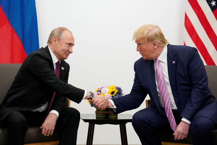Vladimir Poutine et Donald Trump lors du sommet du G20 à Osaka au Japon.